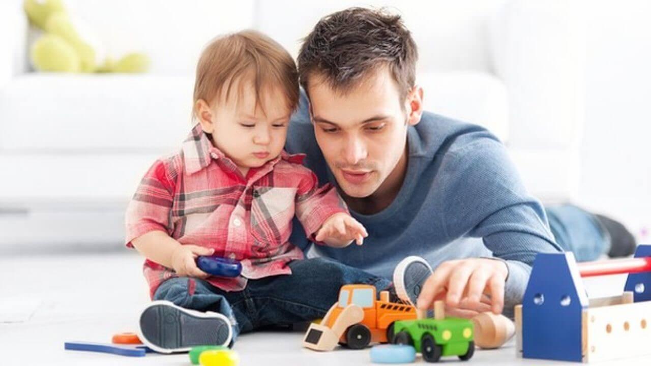 بازی با کودک و مزایای آن