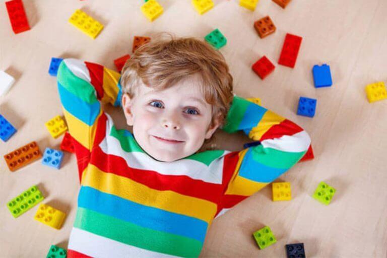 بازی با کودکان و مزایای آن